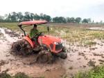 HTX Thạch Vỹ - xã Tứ Xã: Đẩy nhanh tiến độ làm đất vụ mùa