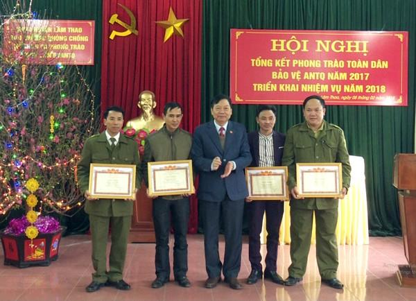 Tổng kết phong trào Toàn dân bảo vệ an ninh Tổ quốc năm 2017; triển khai nhiệm vụ năm 2018