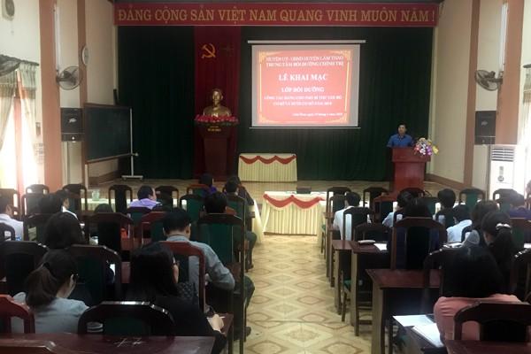 Lâm Thao: Khai giảng lớp bồi dưỡng nghiệp vụ công tác Đảng năm 2018
