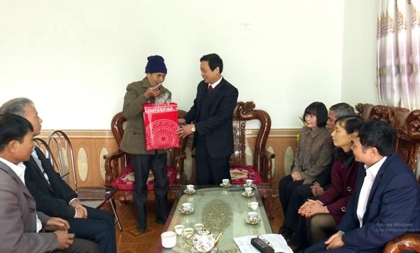Lâm Thao chung tay lo Tết cho hộ nghèo và các đối tượng chính sách