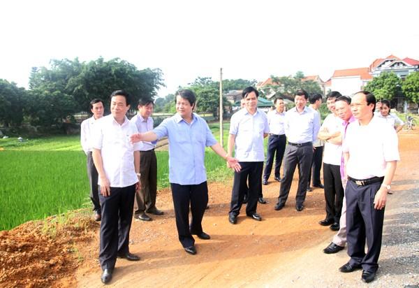 Kiểm tra giữa nhiệm kỳ thực hiện Nghị quyết Đại hội Đảng tại huyện Lâm Thao
